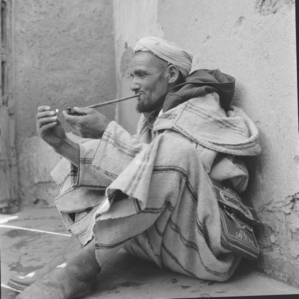 fumador de kif.jpg