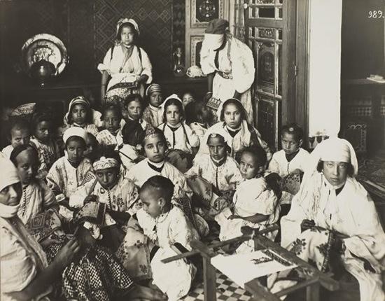 ecole-de-broderie-1930.jpg