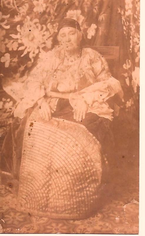 Mama Aziza Znaty grandmere de Liaho Acoca.jpg